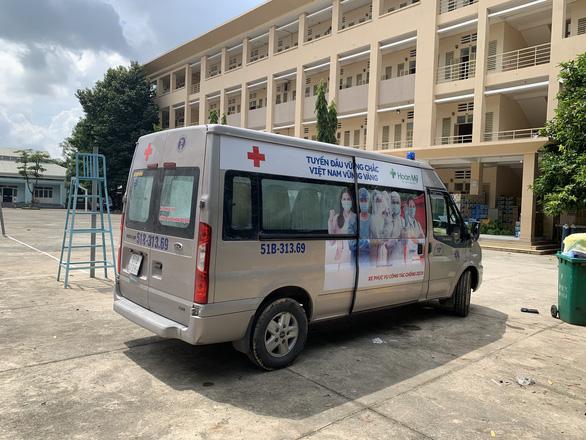 Lợi dụng cấp cứu COVID-19, xe cứu thương dỏm chặt chém người bệnh - Ảnh 2.