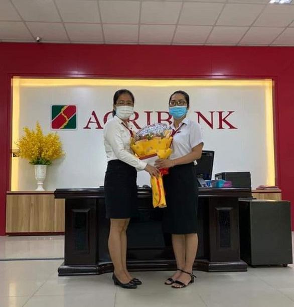 Nhân viên ngân hàng ngăn chặn vụ lừa đảo chuyển tiền nhận quà - Ảnh 2.