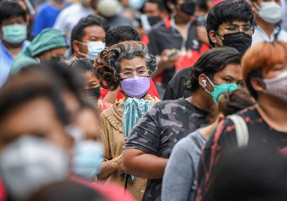 ژاپن رکورد وحشتناک نزدیک به 16000 مورد COVID -19 در روز را ثبت کرد ، تایلند بانکوک را به طور گسترده آزمایش کرد - عکس 2.