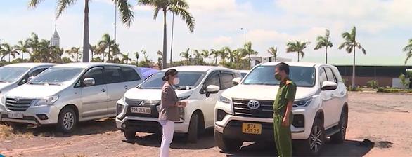 Nhiều xe hơi chở 'chui lấy phí 1,3 - 1,8 triệu đồng/người từ vùng dịch về Phú Yên - Ảnh 1.