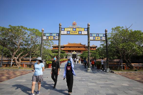 Thừa Thiên Huế đóng cửa di tích sau khi phát hiện 2 ca nhiễm COVID-19 ngoài cộng đồng - Ảnh 1.