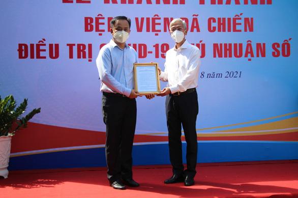 Chuyển Trường THPT Phú Nhuận thành bệnh viện dã chiến 350 giường - Ảnh 2.