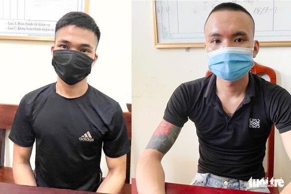 Khởi tố thêm hai nghi phạm vụ ném bom xăng vào nhà cán bộ công an - Ảnh 1.