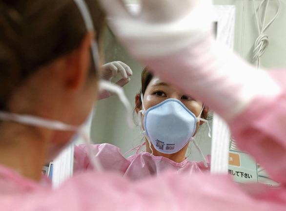 ژاپن رکورد وحشتناکی در حدود 16000 مورد COVID -19 در روز ثبت کرد ، تایلند به صورت گسترده بانکوک را آزمایش کرد - عکس 1.