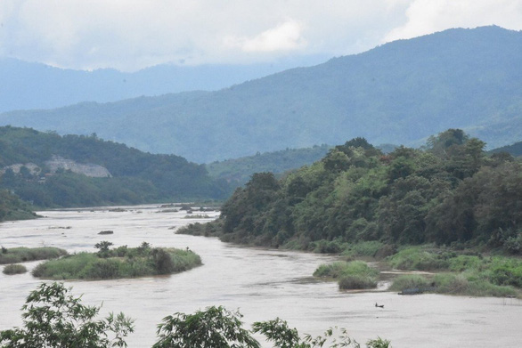 Trung Quốc phủ nhận chặn đập làm sông Mekong thiếu nước, dư luận bất bình - Ảnh 1.