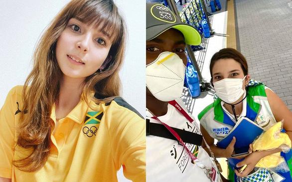 Câu chuyện về lòng tốt của nữ tình nguyện viên xinh đẹp ở Olympic Tokyo gây sốt - Ảnh 1.