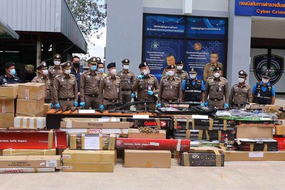 Thái Lan bắt băng nhóm bán 3.500 khẩu súng qua mạng - Ảnh 1.