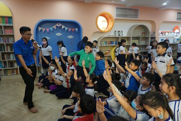 Sở GD-ĐT TP.HCM đưa ra tiêu chí mới để mở cửa trường học - Ảnh 1.