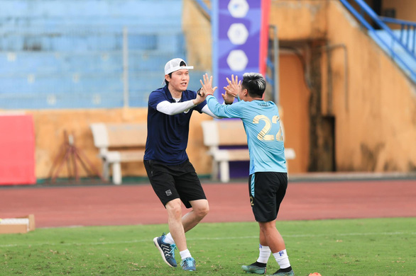 Vòng loại cuối cùng World Cup 2022 khu vực châu Á: Ông Park gia cố ban huấn luyện - Ảnh 1.