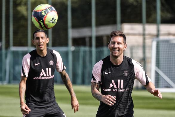 Video buổi tập đầu tiên của Messi tại PSG đạt gần nửa triệu lượt xem sau 1 giờ - Ảnh 3.