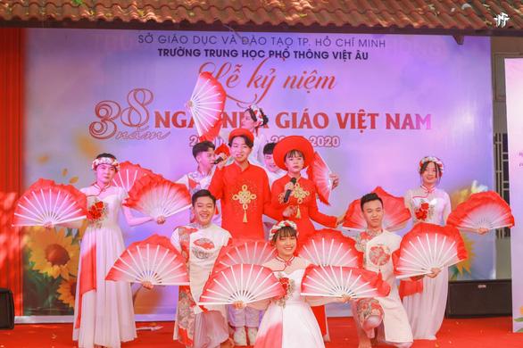 Ba công thức giáo dục toàn diện ấn tượng của trường THPT Việt  Âu - Ảnh 2.