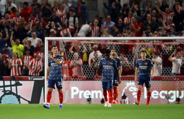 Tân binh Brentford quật ngã Arsenal trong trận mở màn Premier League - Ảnh 3.
