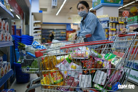 Huy động 10 siêu thị cùng nhiều đơn vị cung cấp thực phẩm cho người dân Đà Nẵng - Ảnh 1.