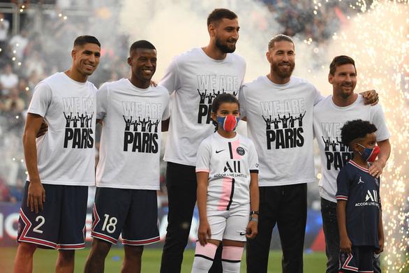Messi không đá, Mbappe tỏa sáng đưa PSG lên đầu bảng - Ảnh 1.