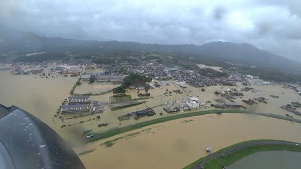 Biển nước sau mưa lớn chưa từng có ở Nhật Bản - Ảnh 2.