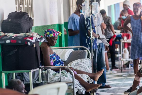 Bệnh viện Haiti quá tải, hàng ngàn người thương vong sau động đất - Ảnh 1.
