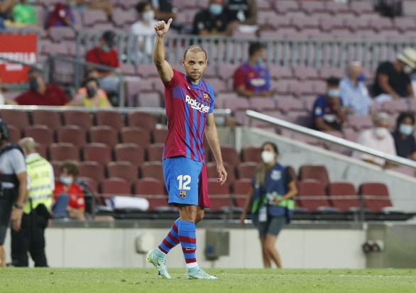 Bắt đầu kỷ nguyên... không Messi, Barca thắng ấn tượng - Ảnh 3.