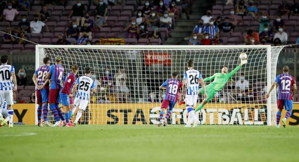Bắt đầu kỷ nguyên... không Messi, Barca thắng ấn tượng - Ảnh 4.