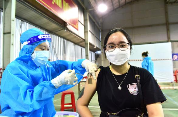 TP.HCM: Đã tiêm hơn 200.000 liều vắc xin của Sinopharm, tất cả an toàn - Ảnh 1.