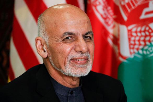 Vì sao tổng thống Afghanistan bỏ trốn khi Taliban lật đổ chính phủ? - Ảnh 1.