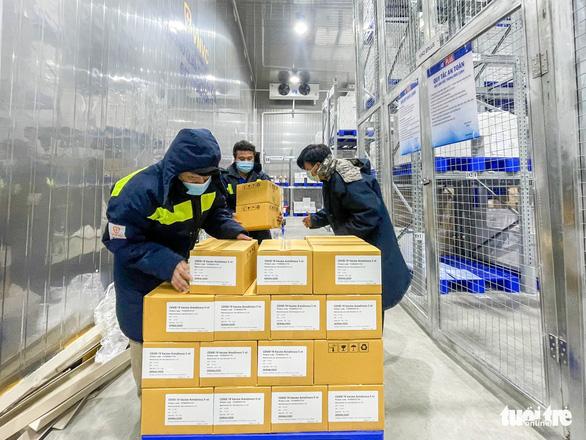 Thêm 1,1 triệu liều vắc xin AstraZeneca cho TP.HCM và các tỉnh phía Nam - Ảnh 1.