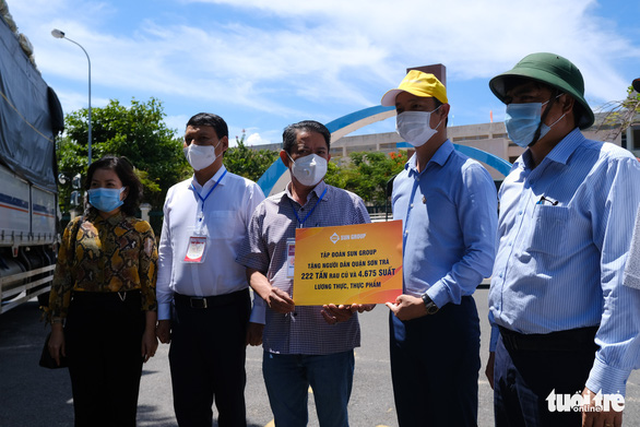 Đà Nẵng: 157 tấn rau củ được tài trợ đã đến quận Sơn Trà - Ảnh 5.