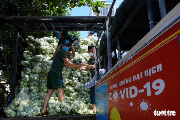 Đà Nẵng: 157 tấn rau củ được tài trợ đã đến quận Sơn Trà - Ảnh 1.