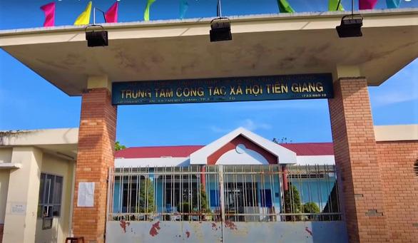 Lập bệnh viện điều trị COVID-19 tại chỗ cho bệnh nhân ở Trung tâm Công tác xã hội tỉnh Tiền Giang - Ảnh 1.