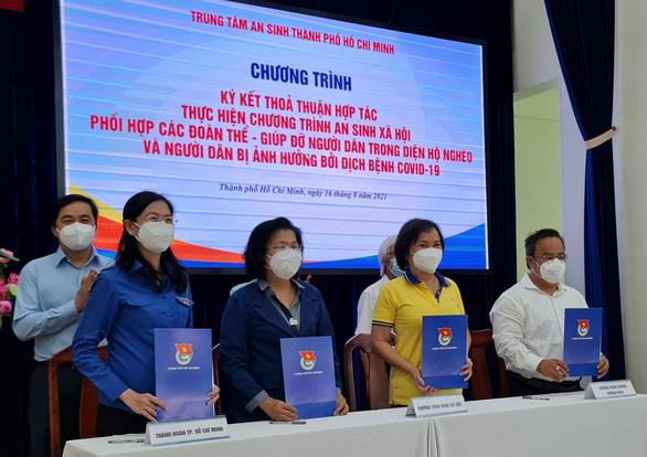 Vòng Tay Việt và 1 triệu suất ăn cho người dân khó khăn - Ảnh 1.