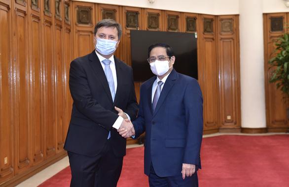 Ba Lan tặng và nhượng lại 3,5 triệu liều vắc xin COVID-19 cho Việt Nam - Ảnh 1.