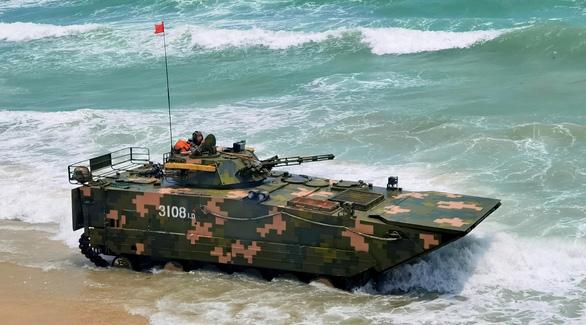 Trung Quốc tập trận bắn đạn thật rầm rộ phía nam Đài Loan - Ảnh 1.