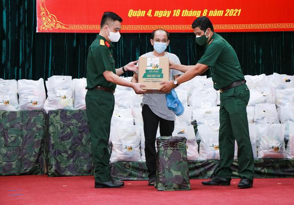 6.000 đơn hàng thiết yếu 0 đồng hỗ trợ người dân TP.HCM và 5 tỉnh vùng dịch - Ảnh 1.