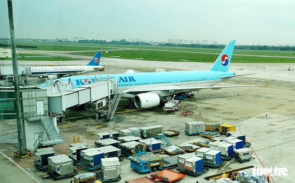 TP.HCM yêu cầu các chốt tạo điều kiện cho người có vé máy bay đi nước ngoài tới sân bay - Ảnh 1.