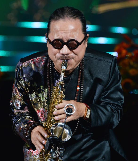 Nghệ sĩ saxophone Trần Mạnh Tuấn bị đột quỵ, hiện đang điều trị tại Bệnh viện Quân y 175 - Ảnh 1.