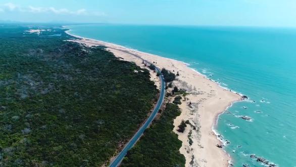 Lộ diện tuyến đường biển đẹp và lớn bậc nhất Việt Nam - Ảnh 1.