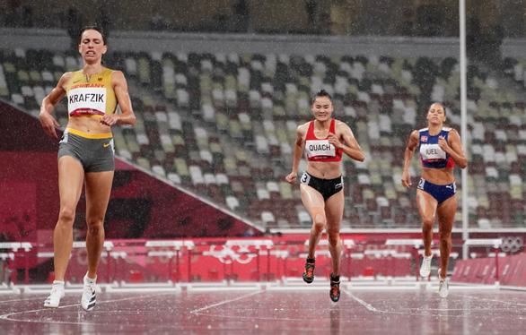 Quách Thị Lan dừng bước ở bán kết 400m vượt rào nữ tại Olympic 2020 - Ảnh 3.