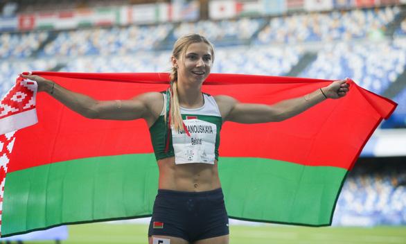 Người đẹp điền kinh Belarus bị buộc rời khỏi Olympic Tokyo bằng vũ lực? - Ảnh 2.