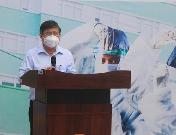 Chủ tịch TP.HCM: 'Phát huy thế mạnh bệnh viện tư nhân để điều trị bệnh nhân COVID-19' - Ảnh 2.