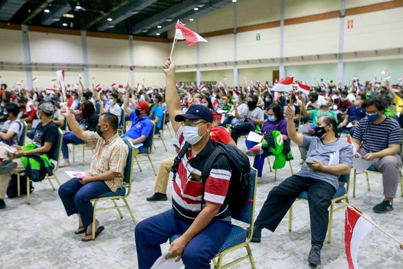Indonesia tuyên bố làn sóng dịch chết chóc thứ 2 đã đạt đỉnh - Ảnh 1.