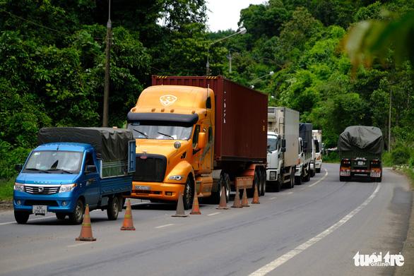 Khởi tố vụ án tài xế xe tải đường dài bỏ cách ly tập trung về thăm bạn gái - Ảnh 1.