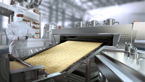 Sản xuất mì ăn liền cũng  gặp khó - Ảnh 1.