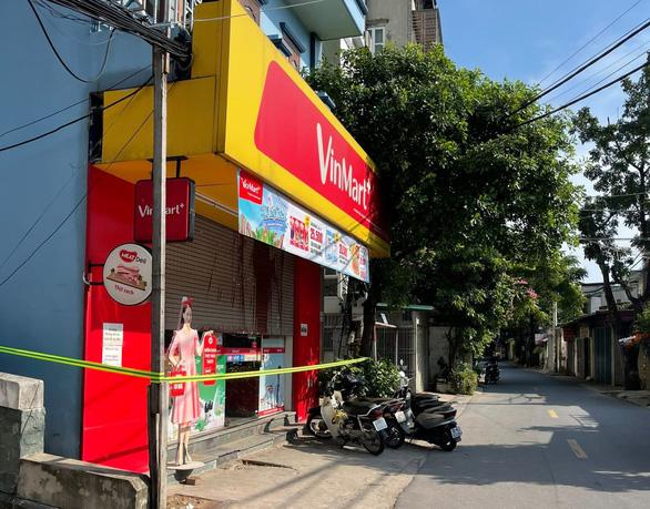 Nhiều siêu thị Hà Nội tạm đóng cửa, Bộ Công thương nói hàng vẫn đảm bảo - Ảnh 1.