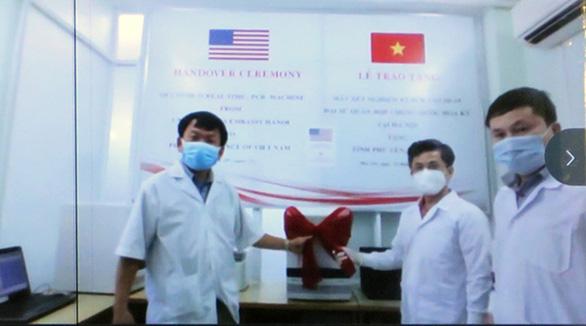 Hoa Kỳ tặng Phú Yên máy xét nghiệm Realtime RT-PCR - Ảnh 1.