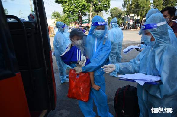 550 người ở Đồng Nai lên xe về Đắk Lắk tránh dịch - Ảnh 7.