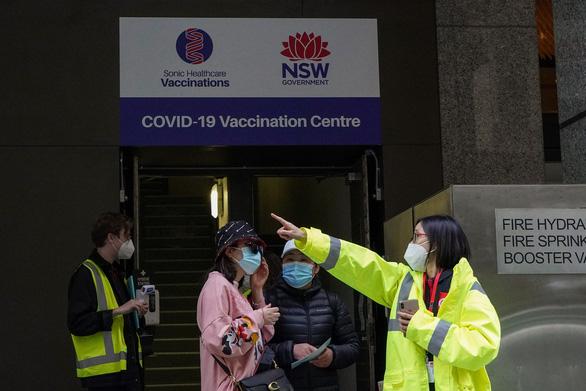 Sydney, New Zealand gia hạn phong tỏa vì bùng dịch - Ảnh 1.