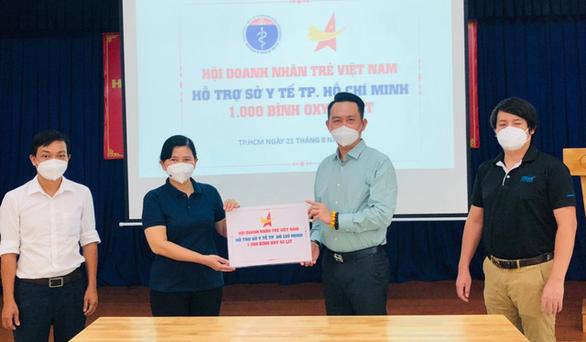 Hỗ trợ 1.000 bình oxy 40 lít cho Sở Y tế TP.HCM - Ảnh 1.