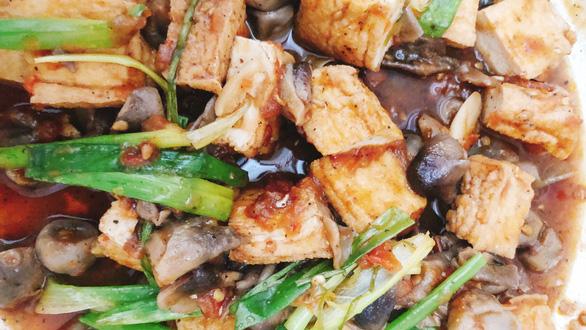 Nấu món chay ngày giãn cách, nhớ ba mẹ mùa Vu lan - Ảnh 4.