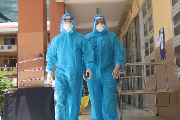 Hơn 14.000 cán bộ, nhân viên y tế hỗ trợ chống dịch COVID-19 tại miền Nam - Ảnh 1.
