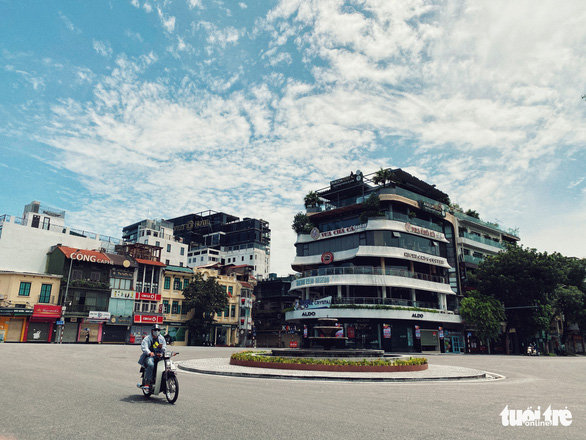 Chuyên gia đề nghị Hà Nội không lãng phí thời gian từ nay đến 6-9 để dập dịch - Ảnh 1.