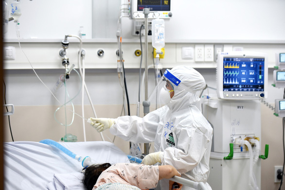 20 bệnh nền có nguy cơ gia tăng mức độ nặng khi mắc COVID-19 - Ảnh 1.